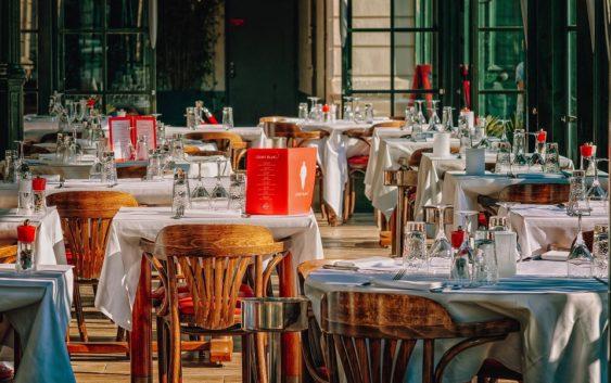 Wina dla restauracji – jak wybrać odpowiednie?